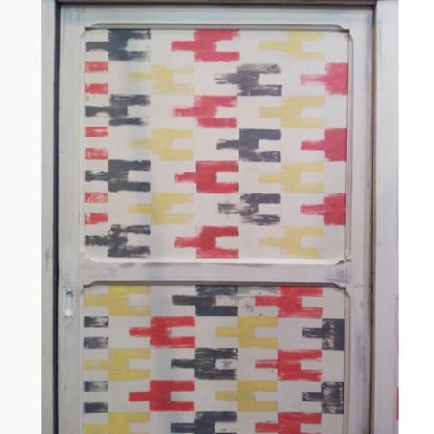 armario pintado a mano colores geometrico transformacion reciclaje restauracion muebles mobiliario vintage antiguedades decoracion interiorismo madrid toledo