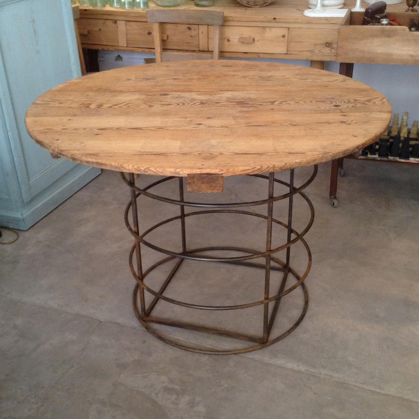 mesa redonda estructura hierro tablero madera pino a medida decoracion madrid toledo