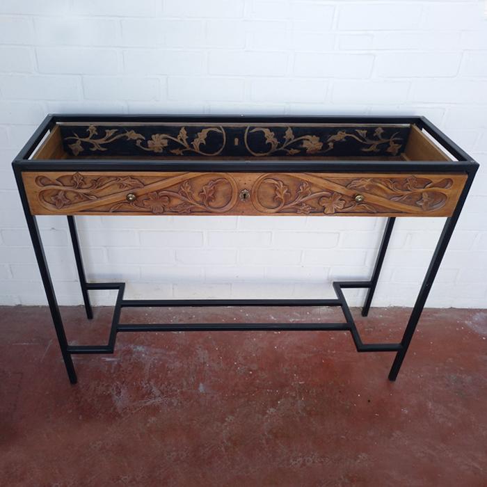 consola madera tallada adorno cajon entrada mueble original sencilla cristal metal negro tiradores 2