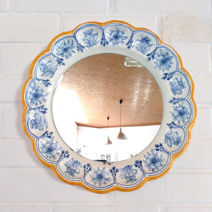 espejo ceramica plato tradicional redondo original color azul tonos azules talavera amarillo motivos decoracion toledo