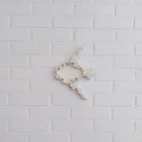 pez blanco decoracion pared colgar molduras antiguas composicion infantil dormitorio niños