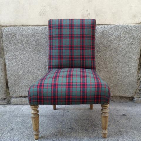 butaca escocesa descalzadora transformacion reciclaje restauracion muebles mobiliario vintage antiguedades decoracion interiorismo madrid toledo