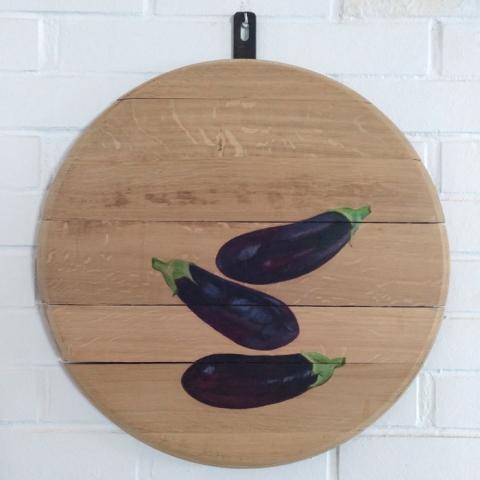 bodegon decoracion comedor cocina paredes cuadros arte berenjenas verduras vegetales madera tabla roble decorar pintado mano artesanal ideas