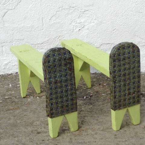 estribos antiguos baul madera chapa original soporte arcon patas colores amarillo vintage 1