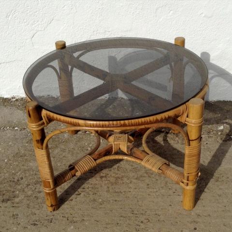 mesa bambu redonda centro cristal ahumado estilo vintage retro terraza porche decoracion mobiliario madrid
