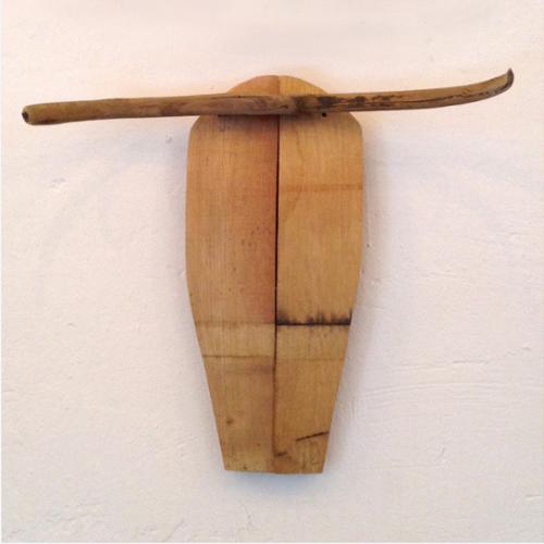 OBJETOS RECICLADOS cabeza vaca madera barrica vino muebles reciclaje escultura arte